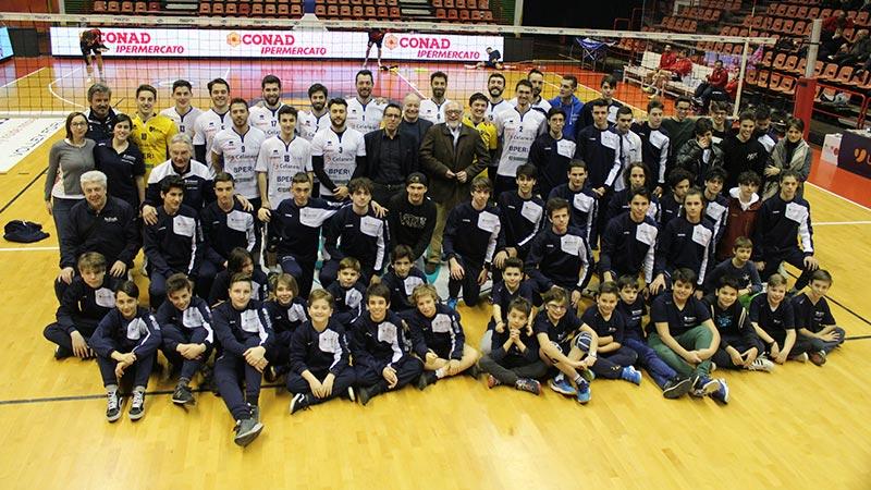 Forlì annienta Pescara e si gode la sua Festa del Volley