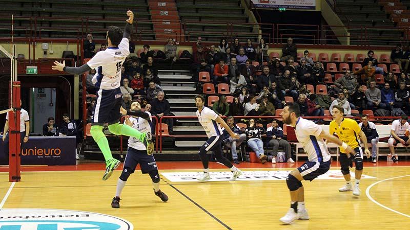 Comincia il 2018 del volley all'Unieuro Arena: Forlì ospita Ferrara